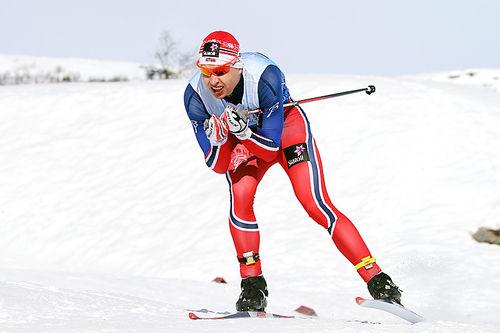 Simen Hegstad Krüger på vei mot bronse på 10-kilometere i fri teknikk under NM på Beitostølen 2016. Foto: Erik Borg.