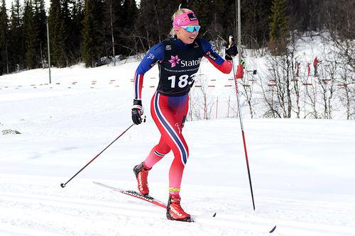 Marte Mæhlum Johansen på vei mot seier i Norgescup-finalen for eldste jenteklasse på Beitostølen 2016. Foto. Erik Borg.
