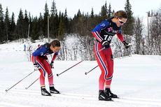 Lotta og Tiril Udnes Weng ute i Norgescup-finalen for eldste jenteklasse på Beitostølen 2016. Lotta ble nummer 2, mens Tiril til slutt endte på 18. plass. Foto: Erik Borg.