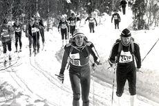 Ivar Formo, til venstre, i Birkebeinerrennet tilbake i 1978 etter at han hadde senket tempoet.
