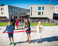 Ordfører Marianne Grimstad Hansen åpner Frogner skole og kultursenter