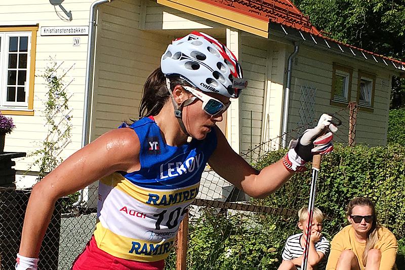 Heidi Weng underveis i den avsluttende fellesstartetappen i Trondheim under Toppidrettsveka 2016. Hun vant både etappen og sammendraget. Foto: Geir Nilsen/Langrenn.com.