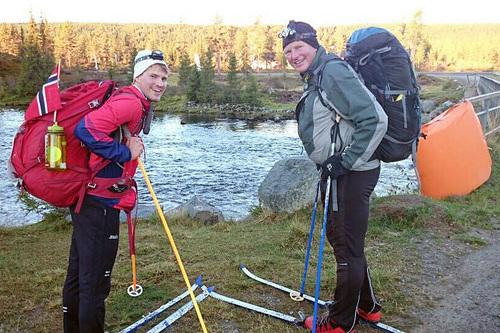 Håkon Lie og Sven Karsten Fles gjennomførte Birken på ski på sommerføre. Foto: Privat.