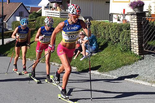 Kathrine Harsem i front, med Heidi Weng og Silje Øyre Slind på slep, under Toppidrettsveka i Trondheim 2016. Foto: Geir Nilsen/Langrenn.com.