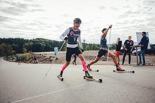 Sprintrennet ga intense dueller under Team Veidekke Oslofjord sin breddesamling for ungdom i Stokke. Foto: Tobias Østmoen.