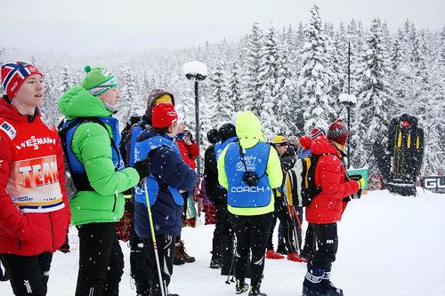 Langrennstrenere på plass ringside under NM på Ski. Foto: Geir Nilsen/Langrenn.com.