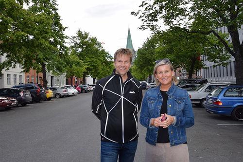 Tove Moe Dyrhaug fra Rosenborg Ballklub (RBK) sammen med Toppidrettsvekas Harald Fladseth. Foto: Ivar Torset/Toppidrettsveka.