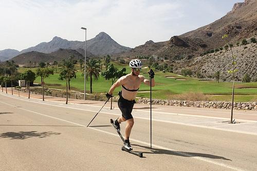 Petter Soleng Skinstad i aksjon under Team Sport 1 Skinstad sin treningssamling på Mar de Pulpi i Spania i oktober 2016. Foto: Team Sport 1 Skinstad.