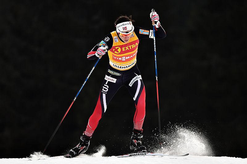 Heidi Weng gikk inn til 2. plass på 5 kilometer fri teknikk under verdenscupens minitour på Lillehammer 2016. Weng leder minitouren sammenlagt etter to etapper. Foto: Thibaut/NordicFocus.