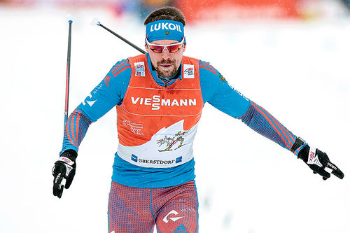 Sergey Ustiugov inn til seier sin fjerde strake seier på Tour de Ski 2016-2017 sin 4. etappe, jaktstarten i Oberstdorf. Foto: Modica/NordicFocus.