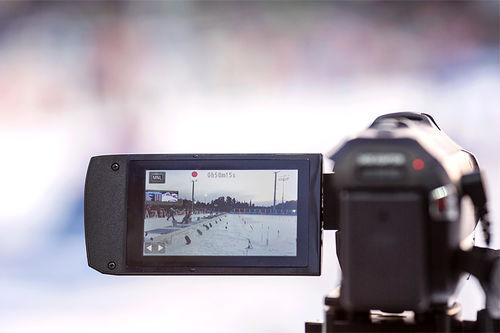 Mobiltelefonens kamera eller et videokamera gir verdifulle opptak og inntrykk slik at egen langrennsteknikk kan utvikles videre. Foto: Manzoni/NordicFocus.