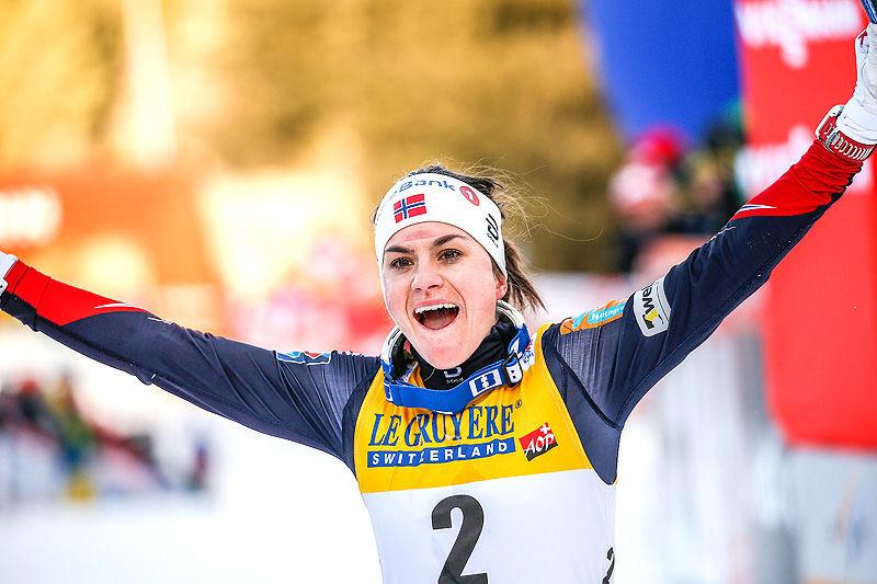Heidi Weng kunne slippe jubelen løs etter å ha vunnet Tour de Ski 2016-2017. Hun avgjorde med en maktdemonstrasjon i siste etappe opp monsterbakken Alpe Cermis. Foto: Modica/NordicFocus.