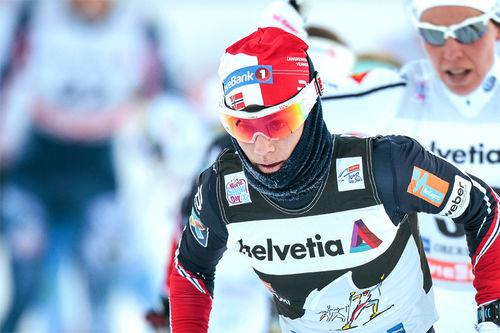 Heidi Weng ute på 3. etappe i Oberstdorf under Tour de Ski 2016-2017. Foto: Modica/NordicFocus.