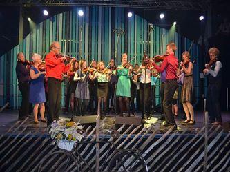 Lom spel- og dansarlag spelar i Utgard på laurdag