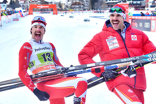 Alex Harvey og Len Valjas sikret jubel for Canada på lagsprinten i verdenscupen i Toblach 2017. Foto: Thibaut/NordicFocus.