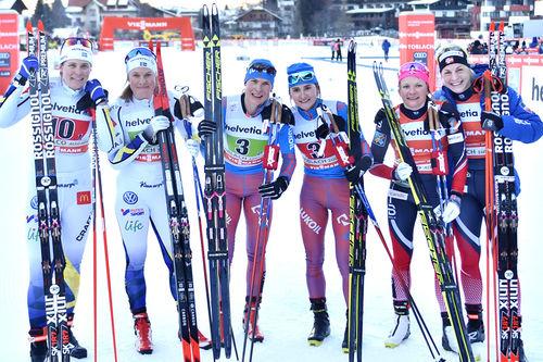 Damenes seierspall på verdenscupens lagsprint i Toblach 2017. Russland vant foran Sverige og Norge. Foto: Thibaut/NordicFocus.