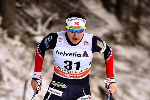 Tiril Udnes Weng i full sving under sesongens verdenscup i langrenn. Foto: Thibaut/NordicFocus.