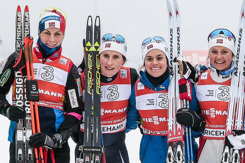 Norges lag som vant verdenscupstafetten i Ulriceshamn i januar 2017. Fra venstre: Astrid Uhrenholdt Jacobsen, Marit Bjørgen, Heidi Weng og Ingvild Flugstad Østberg. Foto: Modica/NordicFocus.