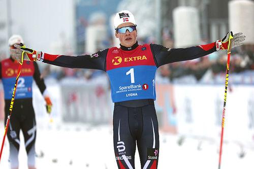Johannes Høsflot Klæbo går i mål som norgesmester på sprint i fri teknikk under NM på Lygna 2017. Foto: Eirik Lund Røer/Eiluro.