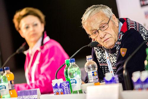FIS-president Gian-Franco Kasper, og generalsekretær Sarah Lewis i bakgrunnen. Foto: NordicFocus.