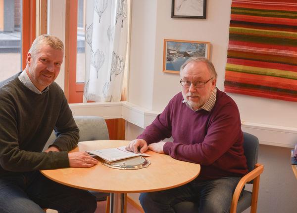 Arkivfoto:  administrasjonssjef Ola Helstad og leiar støttefunksjonen Egil Haug