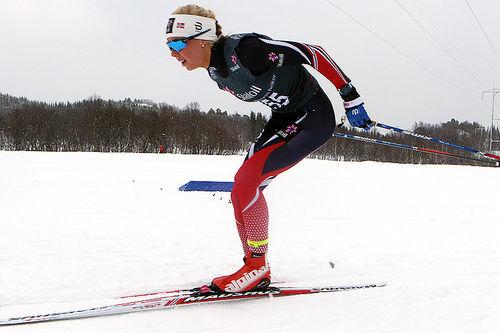 Marte Mæhlum Johansen på vei mot gull i eldste dameklasse på 5 kilometer klassik under Junior-NM i Harstad 2017. Foto: Erik Borg.