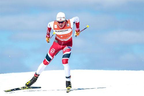 Johannes Høsflot Klæbo får opp en enorm fart når han gasser på ut fra startblokka, underveis i renn eller på oppløpet. Foto: Modica/NordicFocus.