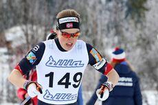Kari Øyre Slind stormer mot NM-sølv på 5 km under 2017-mesterskapet på Gålå. Foto: Erik Borg.