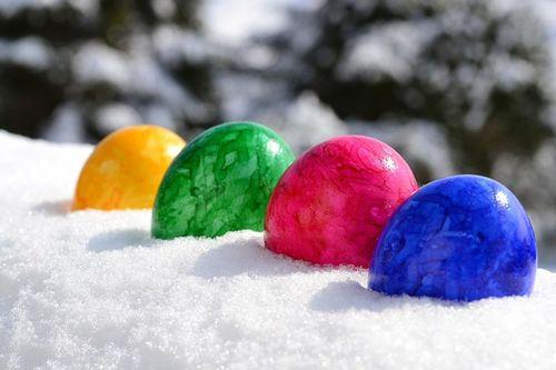 Gjør påsken fargerik, la den gjerne inneholde god trening der øyeblikkene byr seg mellom annen påskekos. Foto: Creative Commons/Pixabay.com.