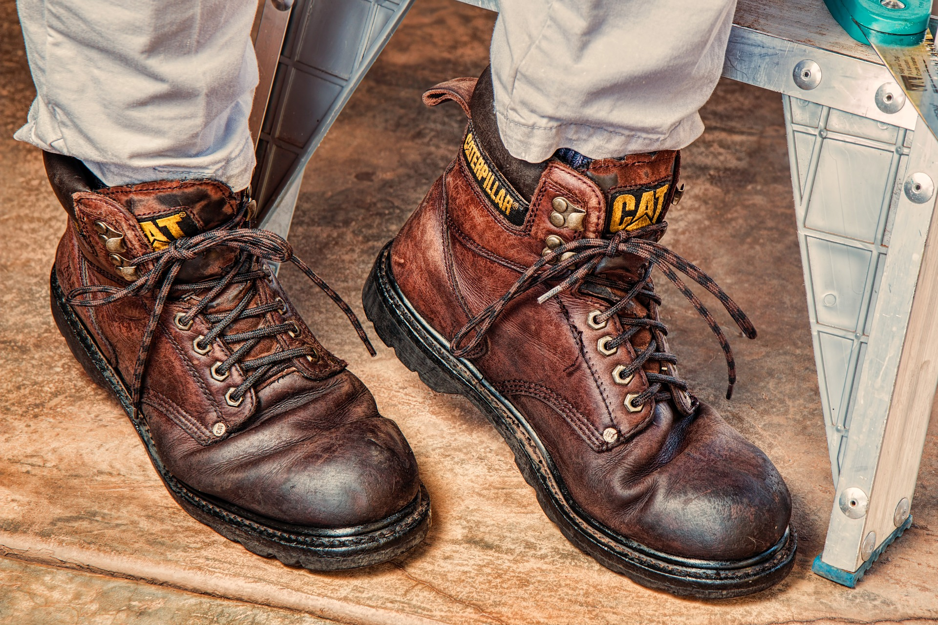 work-boots-889816_1920.jpg