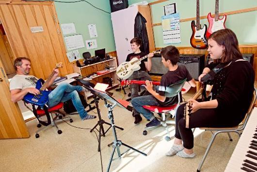 medium_kulturskole_barn_gitar