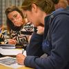 Svanhild Lyngved og Karina Mandal i djup konsentrasjon