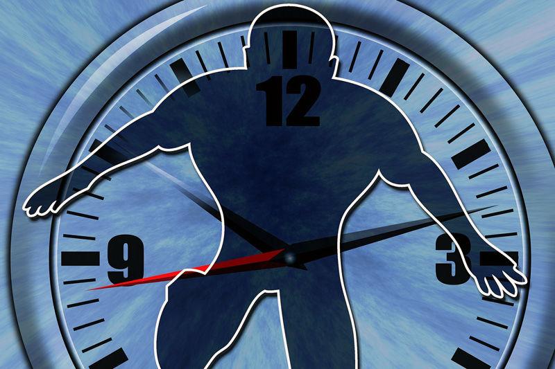 Noen ganger kan man føle på at døgnet ikke har nok timer, men gode prioriteringer kan man løse mye. Foto: Creative Commons/Pixabay.com.