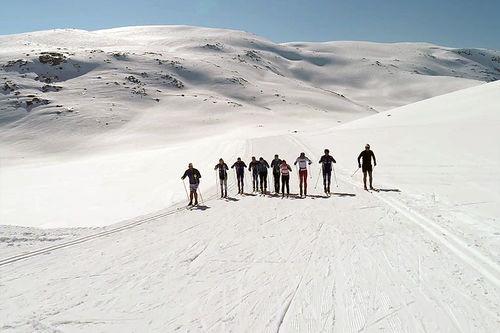 Skjermdump fra Senja Ski sin video i Kasperdalen mai 2017.