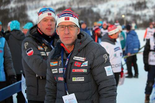 Per Nymoen takker av etter 37 år i ski-Norges tjeneste. Her er han i aksjon under NM i Tromsø forrige vinter. Foto: Erik Borg.