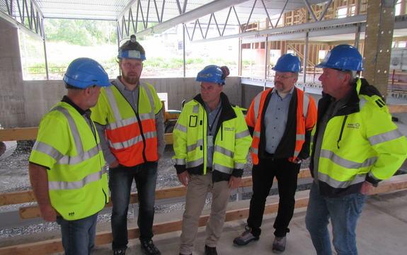 Valnesfjord nye skole befaring ordfører og rådmann