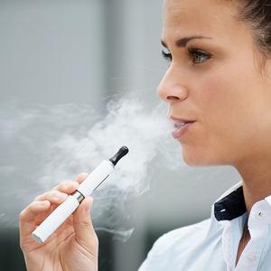 bs-Woman-Smoking-El-48641336-400