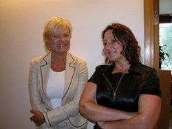 Kunnskapsminister Kristin Halvorsen hilser for første gang på leder for FUB, Lena Jensen.