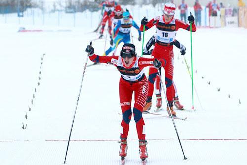 Heidi Weng, verdensmester på pursuit i junior-VM i Otepää i Estland 2011. Martine Ek Hagen følger bak inn til sølv. Foto: Erik Borg.