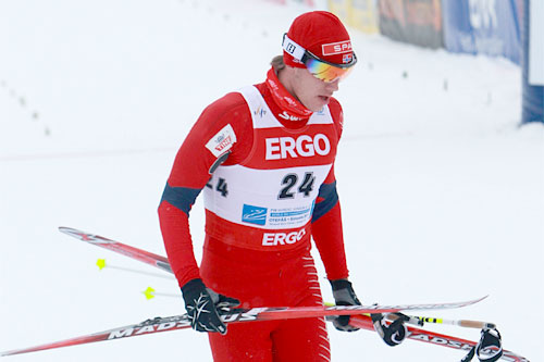 Erik Bergfall Brovold var meget irritert rett etter målgang. Skiene hadde ikke hatt glid i det hele tatt under pursuiten under junior-VM i Otepää 2011. Foto: Erik Borg.