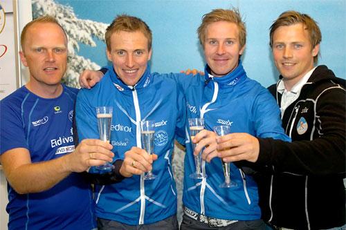 Fra venstre: Jostein Buraas, Roger Aa Djupvik, Eirik Kurland Olsen og trener Torstein Drivenes. Foto: Kjell H. Vollan.