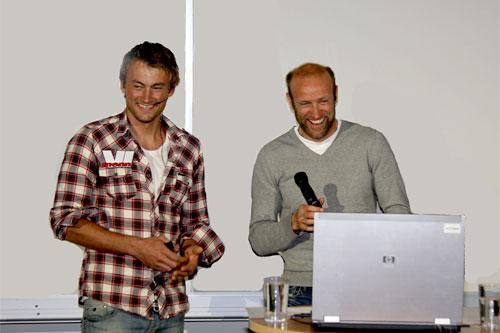 Petter Northug og Odd-Bjørn Hjelmeset  på et foredrag i Oslo i mai 2011. Foto: Geir Nilsen/Langrenn.com.