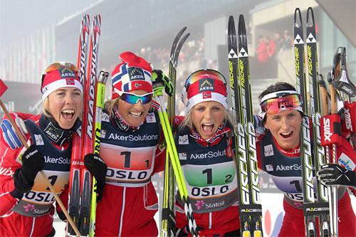 Norges gulljenter fra VM i Oslo 2011. Fra venstre: Kristin Størmer Steira, Vibeke Skofterud, Theres Johaug og Marit Bjørgen. Foto: Hemmersbach/NordicFocus.