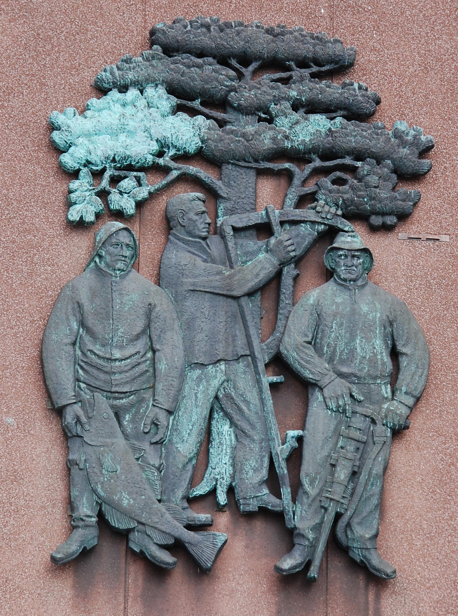 Relieff på Rådhusveggen.jpg