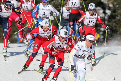 Tetklynga i damenes 30 kilometer fellesstart under VM i Holmenkollen 2011. Foto: Hemmersbach/NordicFocus.