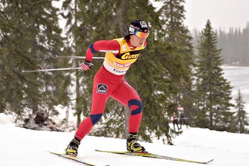Marit Bjørgen fosser frem mot seier på 2. etappe, 5 km fri teknikk, i mini-touren i finske Kuusamo 2011. Foto: Felgenhauer/NordicFocus.