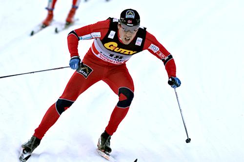 Eldar Rønning underveis i sin knallsterke opphenting fra 18. til 3. plass på jaktstarten i mini-touren i Kuusamo. Foto: Felgenhauer/NordicFocus.