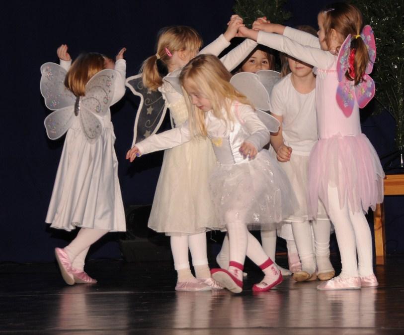Juleforestilling barnedans 1[2].jpg