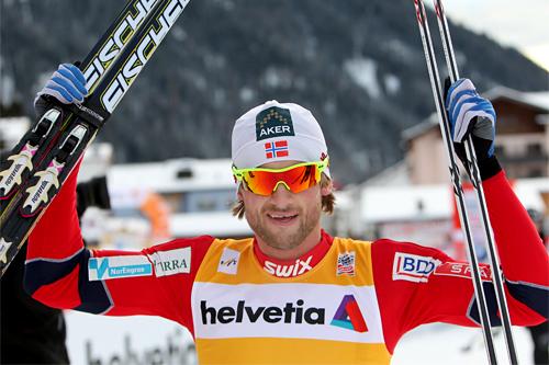 Petter Northug etter sin suverene seier på 30 km fri teknikk i Davos 2011. Foto: Manzoni/NordicFocus.