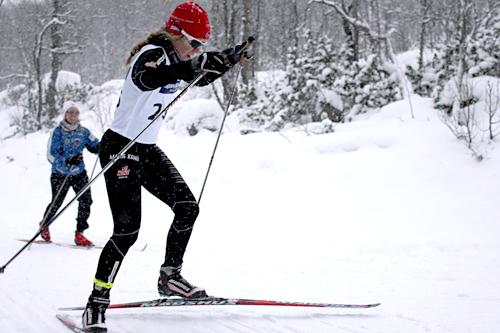 Marie Reneè Sørum Gangsø jager inn til seier i klasse kvinner 18 år. Foto: Privat.